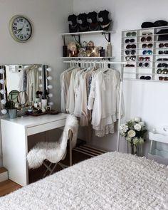 Love Sunday because its my time to spend it on my home organization  #bedroom روز يكشنبه رو دوست دارم چون بيشتر وقت كارم در اون روز كارهاى شخصي مثل مرتب كردن خونه رو انجام بدم