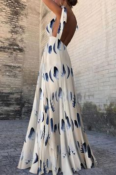 Sexy Sleeveless Floral Print Maxi Dress With a lacy blue or white bralette! Sexy Dresses, Fashion Dresses, Prom Dresses, Summer Dresses, Elegant Dresses, Summer Maxi, Beach Dresses, Moda Instagram, Floral Print Maxi Dress