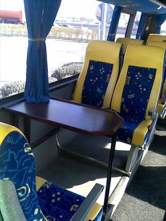 Minibus 16 Pax + 2 mesas Couch, Furniture, Home Decor, Mesas, Settee, Decoration Home, Sofa, Room Decor, Home Furnishings