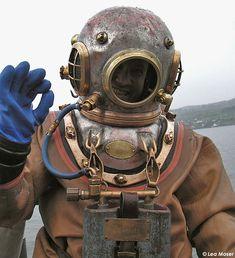 Deep sea vintage divers 1940s
