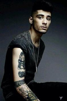 Zayn !<<< This fandom is unhealthy for me... i reGRET NOTHING