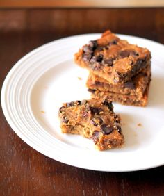 Chocolate Chip Chickpea Blondies with Sea Salt {vegan, gluten-free & healthy}