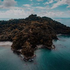 Desde el aire 🍃🌊❤️    #landscape_lovers #sky_captures #landscapephotography #fantastic_earth #landscape_captures #ic_landscapes #ig_exquisite #nature_wizards #nature_shooters #landscapestyles_gf #ourplanetdaily #landscapehunter #special_shots #naturediversity #landscapelovers #earth_deluxe #instanaturelover #nature_prefection #thisiscostarica #crfanphotos #costaricacool #costaricaexperts #descubrecr #dji #djimavic #dronestagram #drones #focalmarked