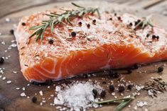 This Fresh Herb Salmon recipe really brings out the flavor in the fillet. Herb Salmon Recipe, Asparagus Recipe, Salmon Recipes, Seafood Recipes, Diet Recipes, Seafood Dishes, Healthy Recipes, Best Diet Foods, Sour Cream