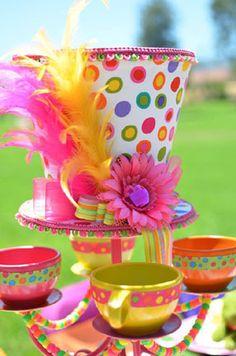 Sombrero colorido para centro de mesa                                                                                                                                                                                 Más