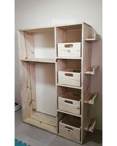 Wooden Pallet Projects Pallet Multipurpose storage ideas - It will not be wrong to say that you always search for an approach to spruce up your home's overall look, without using up every last cent you have or causing superfluous damage the earth.