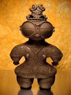 Ancient History Aliens - Japanese clay doll from Jomon era B. Jomon Era, Jomon Period, Ancient Aliens, Ancient History, Art History, Ancient Mysteries, Ancient Artifacts, Japanese Pottery, Japanese Art