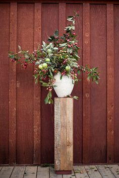 crab apples arrangement by sarah winward. photo by jessica peterson.