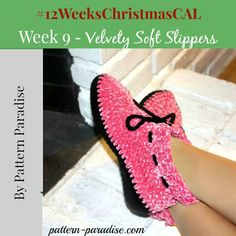 Free pattern for holiday slippers, booties, shoes by Pattern-Paradise.com, 12 Weeks of Christmas Blog Hop CAL, #crochet #12WeeksChristmasCAL #booties