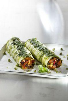 VEGAN FOR FIT: Zucchiniloni mit Kürbis-Oliven-Füllung