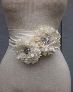 Bridal sash from heaven. Diy Wedding Dress, Wedding Belts, Wedding Sash, Bridal Sash, Purple Wedding, Wedding Bouquets, Fabric Ribbon, Fabric Flowers, Paper Flowers