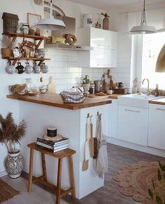 Boho Kitchen, Home Decor Kitchen, Interior Design Kitchen, New Kitchen, Home Kitchens, Wooden Kitchen, Minimal Kitchen Design, Interior Modern, Home Design