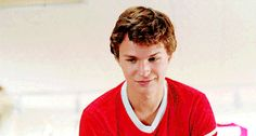"""19 Ways """"The Fault In Our Stars"""" And """"A Walk To Remember"""" Have Exactly The Same Plot"""