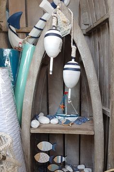Μπλε και άσπρα ναυτικά και θαλασσινά διακοσμητικά, ξύλινες σημαδούρες διακοσμητικές, καραβάκια και ψαράκια  #summerdecoration #DIYdecoration #DIYsummer_decoration #καλοκαιρινη_διακοσμηση #barkasgr #barkas #afoibarka #μπαρκας #αφοιμπαρκα #imaginecreategr