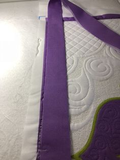 Did you know it is possible to quickly attach quilt binding to the edges of your quilt right while still secured in your longarm frame? Longarm Quilting, Quilting Tips, Machine Quilting, King Size Quilt, Quilt Binding, Sewing Hacks, Sewing Tips, Back Stitch, Hand Sewing