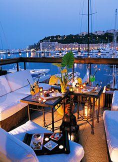 Hotel Miramar Monaco - 3 étoiles - sur le port de Monaco et sur le tracé du Grand Prix de Monaco.