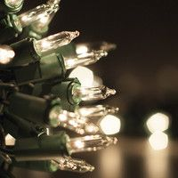 Have you thought about what kind of lights to put up on your house this year for Christmas? Here is a guide on Christmas lights, be sure the watch the video.