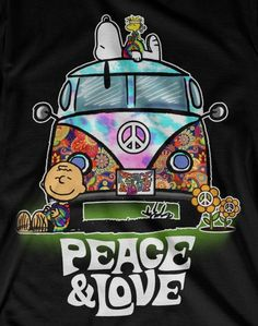 Hippie Love Fest ☮️ Charlie Brown, Snoopy and Woodstock Paz Hippie, Estilo Hippie, Hippie Peace, Happy Hippie, Hippie Love, Hippie Things, Hippie Chick, Peanuts Cartoon, Peanuts Snoopy