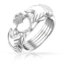 Bling Jewelry Pretty Puzzling Ring (1.930 RUB) ❤ liked on Polyvore featuring jewelry, rings, grey, band jewelry, heart-shaped jewelry, heart shaped rings, celtic heart jewelry and celtic band ring