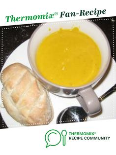 Recipe Carola's Pumpkin Soup by Carola Cocacola, learn to make this recipe easily in your kitchen machine and discover other Thermomix recipes in Soups. Thermomix Soup, Soup Recipes, Vegetarian Recipes, Dinner Recipes, Chicken Broth Can, Bacon Roll, True Food, Chowders, Vegetarische Rezepte