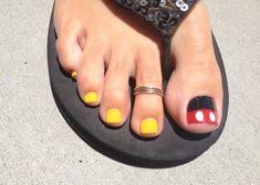 Disney Pedicure Toenails Mickey Mouse Toe Nails Ideas For 2019 Disney Nail Designs, Toe Nail Designs, Nails Design, Art Designs, Fancy Nails, Pretty Nails, Disney Toes, Disney Toe Nails, Easy Disney Nails