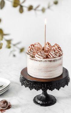 Wedding Cake Recipes 87860 Layer cake with chocolate & vanilla ganache Cute Cakes, Yummy Cakes, Food Cakes, Cupcake Cakes, Cupcake Recipes, Vanilla Ganache, Whipped Ganache, Ganache Frosting, Mango Pudding