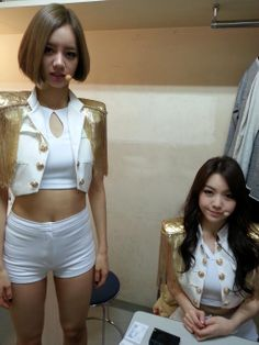 Hyeri and Minah - Girl's Day - Female President Era