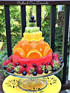 Cake Made Of Fruit, Fresh Fruit Cake, Fruit Cakes, Fruit Cake Watermelon, Rainbow Fruit, Fruit Decorations, Food Decoration, Fruit Platter Designs, Fruit Designs
