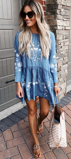 green mini skirt blue and white long-sleeved mini dress Grey Tee + Ripped Skinny Jeans white crop top and gra. Mini Dress With Sleeves, Long Sleeve Mini Dress, Casual Outfits, Cute Outfits, Fashion Outfits, Style Fashion, Spring Summer Fashion, Spring Outfits, Summer Art