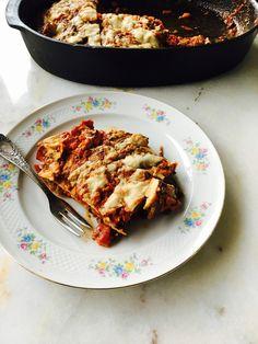 Auberginelasagne met ricotta en mozzarella (Hapjes Princess: Don't eat less - Eat better) Vegetarian Recipes, Healthy Recipes, Tasty, Yummy Food, Pizza, Clean Eating Recipes, Lasagna, Ricotta, Mozzarella