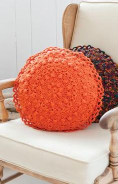 Free crochet pattern for this cute round pillow! Find the perfect yarn for this pattern at: http://www.maggiescrochet.com/collections/yarn-thread