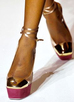 Yves Saint Laurent Spring 2012 shoes (10)