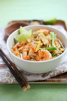 {Thailand} Pad Thai - everyone's favorite Thai noodle dish can be prepared at home with store-bought ingredients with this simple and delicious recipe | rasamalaysia.com