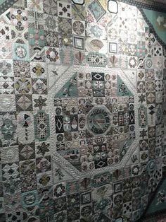 Pour lámour du fil, Nantes 2014 and a finish Ocean Quilt, Yoko Saito, Applique Quilt Patterns, Japanese Quilts, Grey Quilt, Sundial, Antique Quilts, English Paper Piecing, Victoria And Albert Museum