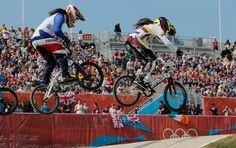 Los saltos a través de los montículos fueron perfectos por parte de Mariana Bmx, Olympic Cycling, Sports Training, Olympics, Basketball Court, Bicycle, Athletes, Gold, Mariana