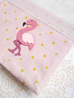 carnet-flamant-rose-tissu-auguste-pénélope-coeur-doré-dentelle-protège-livre