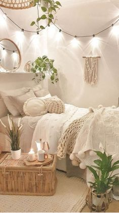 Cute Bedroom Decor, Bedroom Decor For Teen Girls, Room Design Bedroom, Stylish Bedroom, Room Ideas Bedroom, Small Room Bedroom, Small Rooms, Bedroom Inspo, Boho Bedrooms Ideas