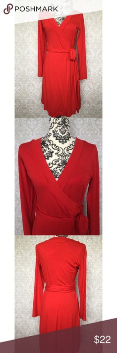Red Banana Republic wrap dress Red Banana Republic wrap dress: always appropriate, always a classic! Stretchy fabric for all-day comfort. Traditional wrap style, ties at side. Great used condition! Banana Republic Dresses