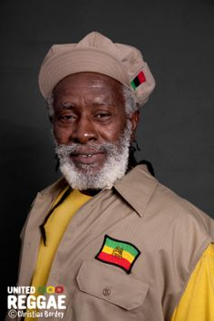 Positive: An Interview With Burning Spear Black Music Artists, Burning Spear, Rasta Man, Reggae Artists, Jamaican Music, African Royalty, Jazz Funk, The Wailers, Music Images