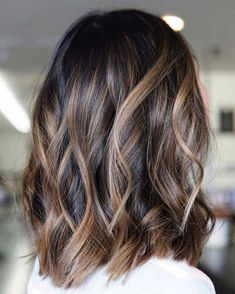 60 Looks with Caramel Highlights on Brown and Dark Brown Hair Dark Hair With Caramel Bronde Balayage Balayage Hair Caramel, Bronde Balayage, Hair Color Caramel, Brown Hair Balayage, Brown Blonde Hair, Hair Color Balayage, Caramel Blonde, Ombre Hair, Red Hair