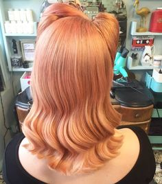 """397 Likes, 1 Comments - London's Cutest Hair Salon (@rockalilycuts) on Instagram: """"Party hair appointments are almost all gone. #rockalilycuts #shoreditchlife #retrohair #peachhair…"""""""