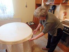 """Hiszitek, vagy sem, de meg kellett élnem közel 65 évet, hogy elkészítsem életem első """"húzott"""" (kelt) rétesét - Bidista.com - A TippLista! Chair, Furniture, Caramel, Home Furnishings, Stool, Chairs, Arredamento"""