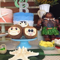 Maui, semi-Deus, nos salvou dos coquinhos piratas! #decoraçãodefestainfantil #partyideas #par - folharia.br