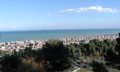 """In #Italia tante nuove località di mare con #BandieraBlu --> http://www.allyoucanitaly.it/blog/in-Italia-tante-nuove-localit%C3%A0-di-mare-con-bandiera-blu #Francavilla al Mare -  Importante stazione balneare con un ricco passato storico che, con la """"bandiera blu"""" conferitale nel 2013, ha portato la regione #Abruzzo a quota 14 cc @Your Abruzzo"""