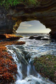 The sea arch, Pura Batu Bolong, Tanahlot, Bali, Indonesia #travel #fabulous #amazing