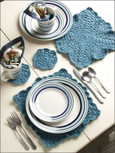 Crochet for the Home - Crochet Placemat Patterns - Simple Place Setting Crochet Table Runner Pattern, Crochet Placemats, Crochet Potholders, Crochet Motif, Crochet Doilies, Free Crochet, Crochet Patterns, Placemat Patterns, Square Placemats
