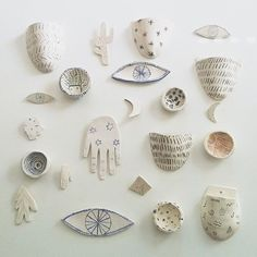 These tiny illustrated ceramics by #chaunguyen make me want to experiment with clay so bad.. love them! by artisticmoods