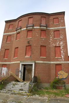 Abandoned Gaebler Children's Center, Waltham, MA was a psych unit for seriously disturbed children under the age of Abandoned Asylums, Abandoned Buildings, Abandoned Places, Insane Asylum, Mother Family, Old Bricks, Scary Places, Creepy Stuff, Brick Building