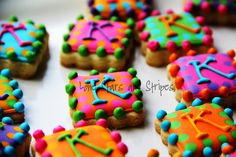 Simple initial cookies - the design is simple but the bright colors make these cookies look extra special!