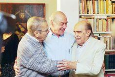 Darcy Ribeiro, Leonel Brizola e Oscar Niemeyer se encontram no lançamento da Fundação Darcy Ribeiro no apartamento de Darcy, em Copacabana, RJ